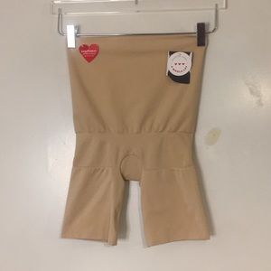 SPANX High Waisted Shaper Girdle. Size large